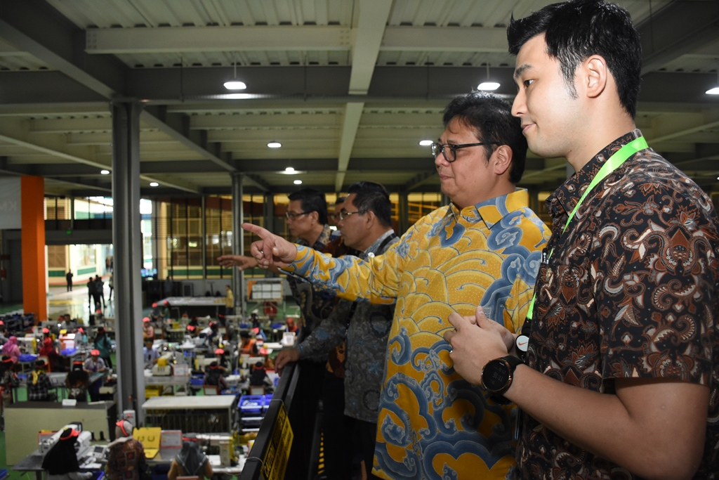 Minister of Industry targets national footwear exports to US$ 6.5 billion